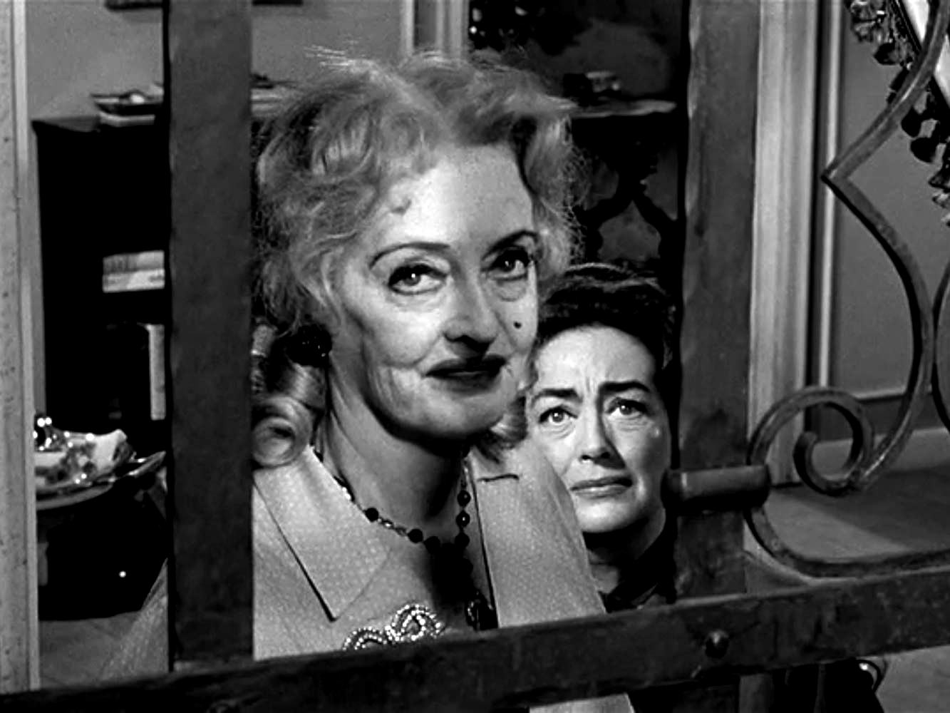 Jane (Bette Davsi) and Blanche (Joan Crawford) in What Ever Happened to Baby Jane? (1962)