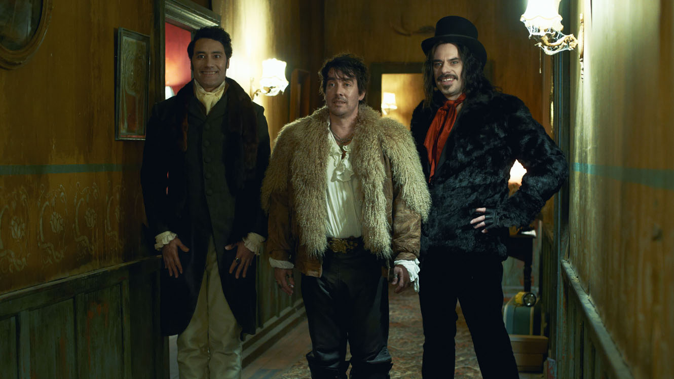 Vampire flatmates - Taikia Waititi, Jonathan Brugh and Jemaine Clement in What We Do in the Shadows (2014)