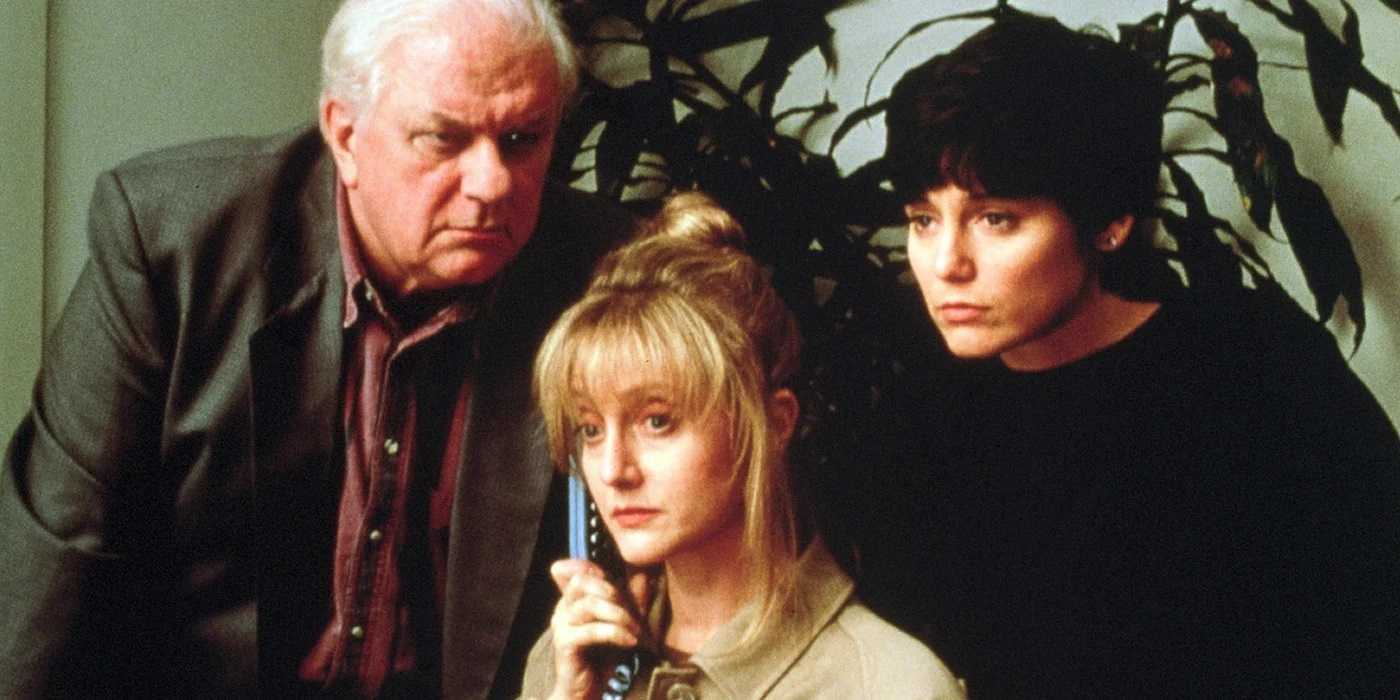 Charles Durning, Carol Kane and babysitter Jill Schoelen in When a Stranger Calls Back (1993)