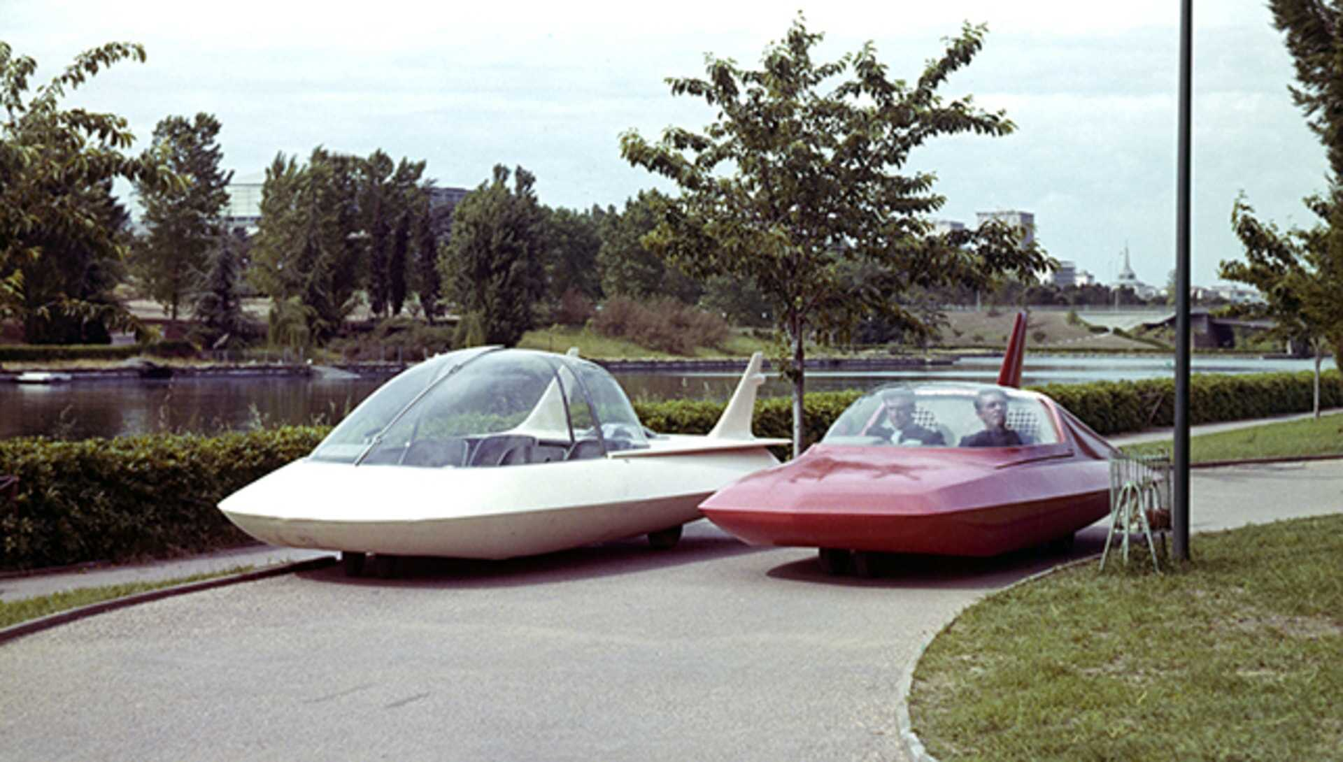 Cars of the future in The Wild, Wild Planet (1965)