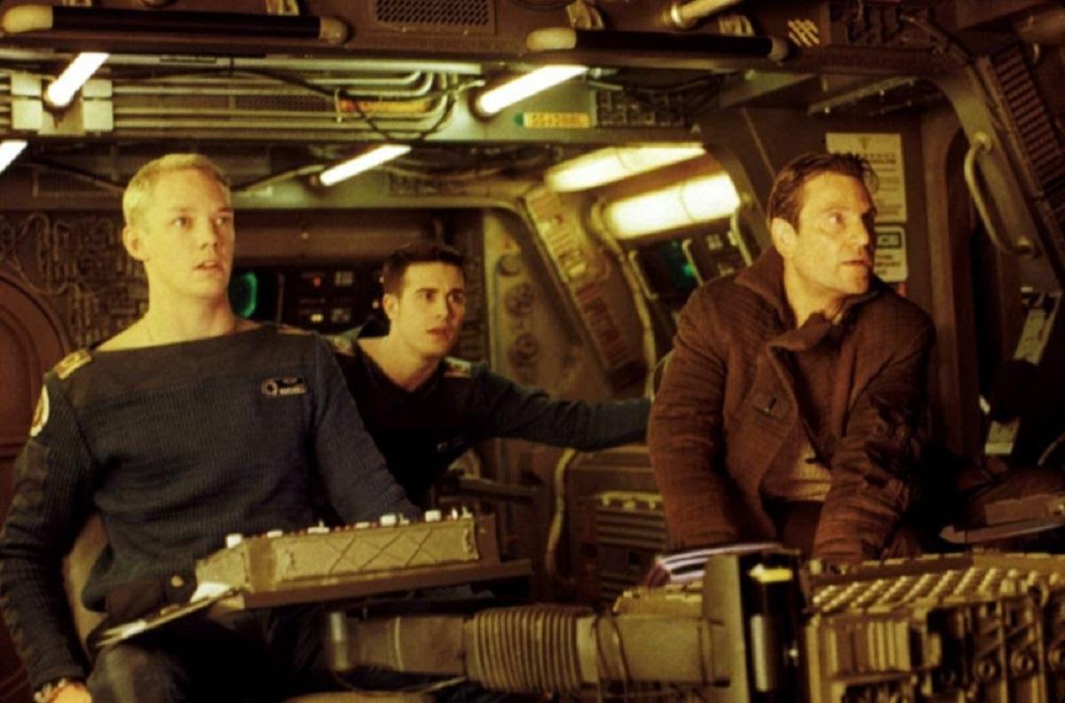 Matthew Lillard, Freddie Prinze Jr, Tcheky Karyo in Wing Commander (1999)