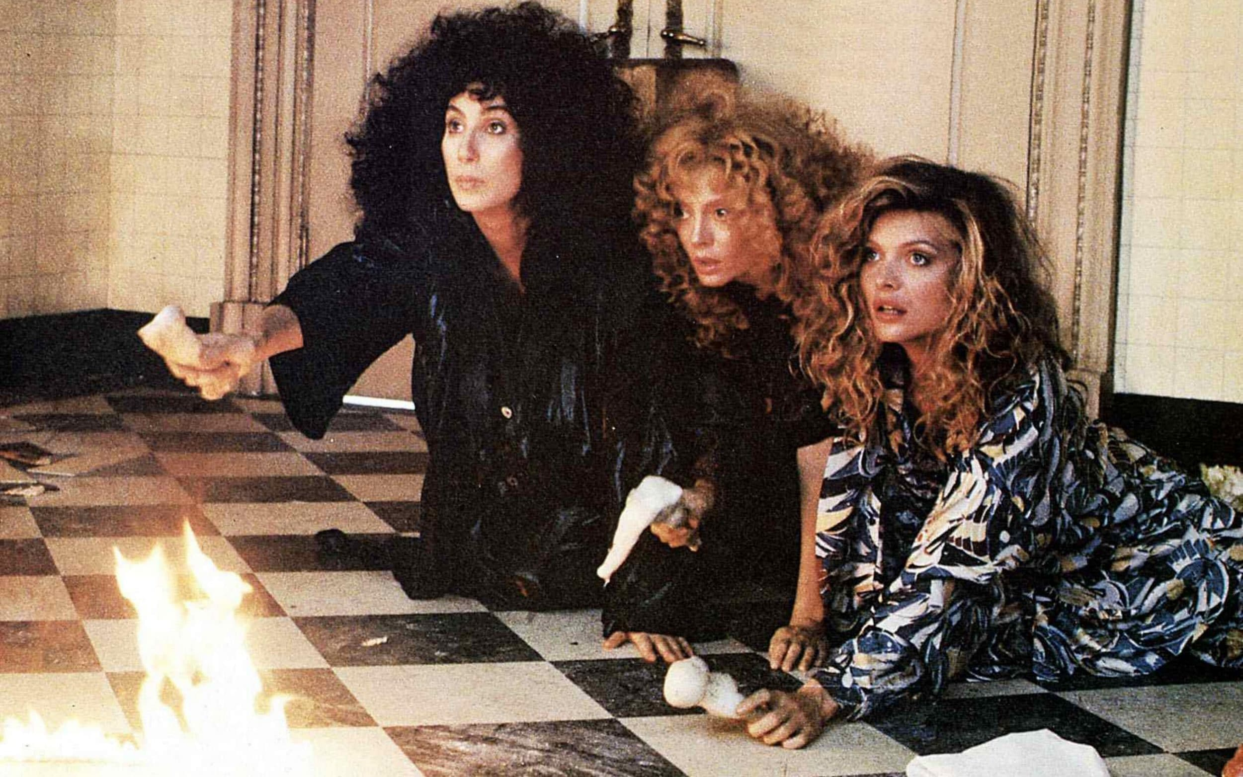 (l to r) Cher, Susan Sarandon and Michelle Pfeiffer in The Witches of Eastwick (1987)