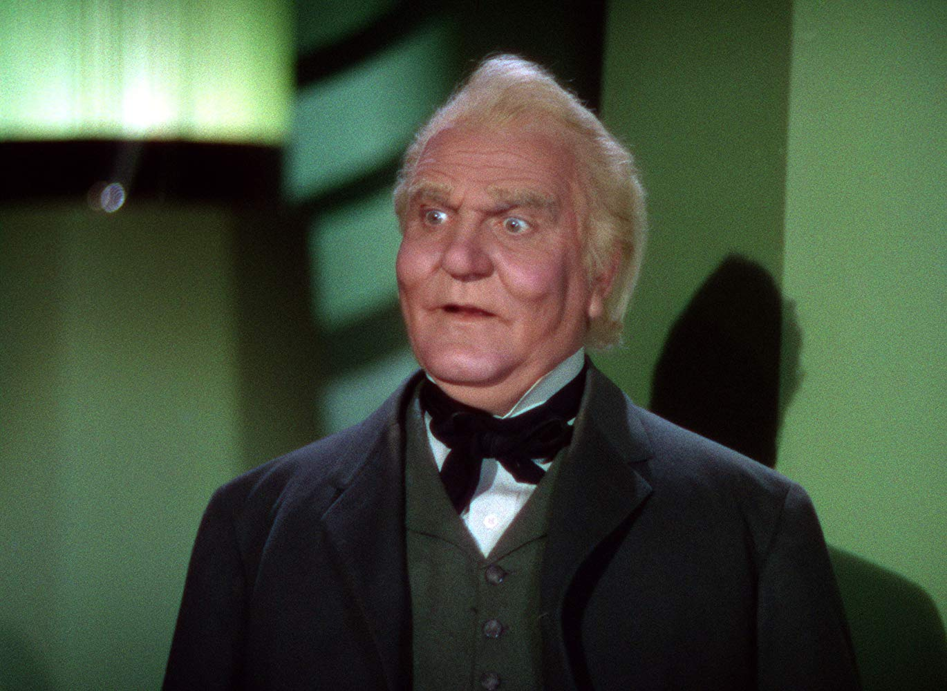 The Wizard revealed as an ordinary charlatan (Frank Morgan) in The Wizard of Oz (1939)