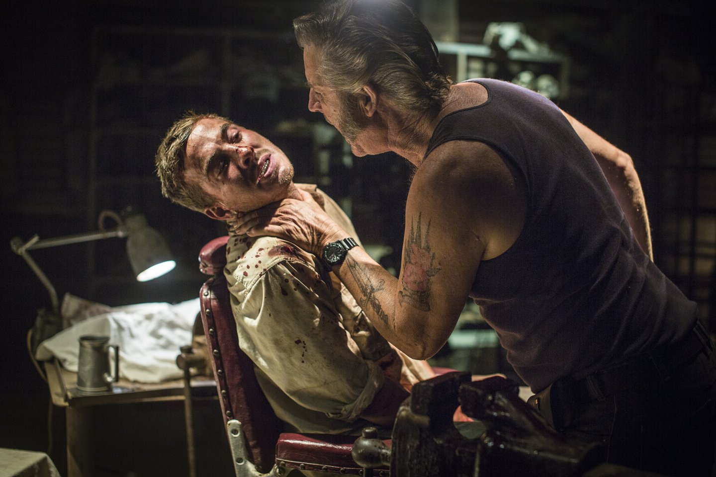 John Jarratt tortures Ryan Corr in Wolf Creek 2 (2013)