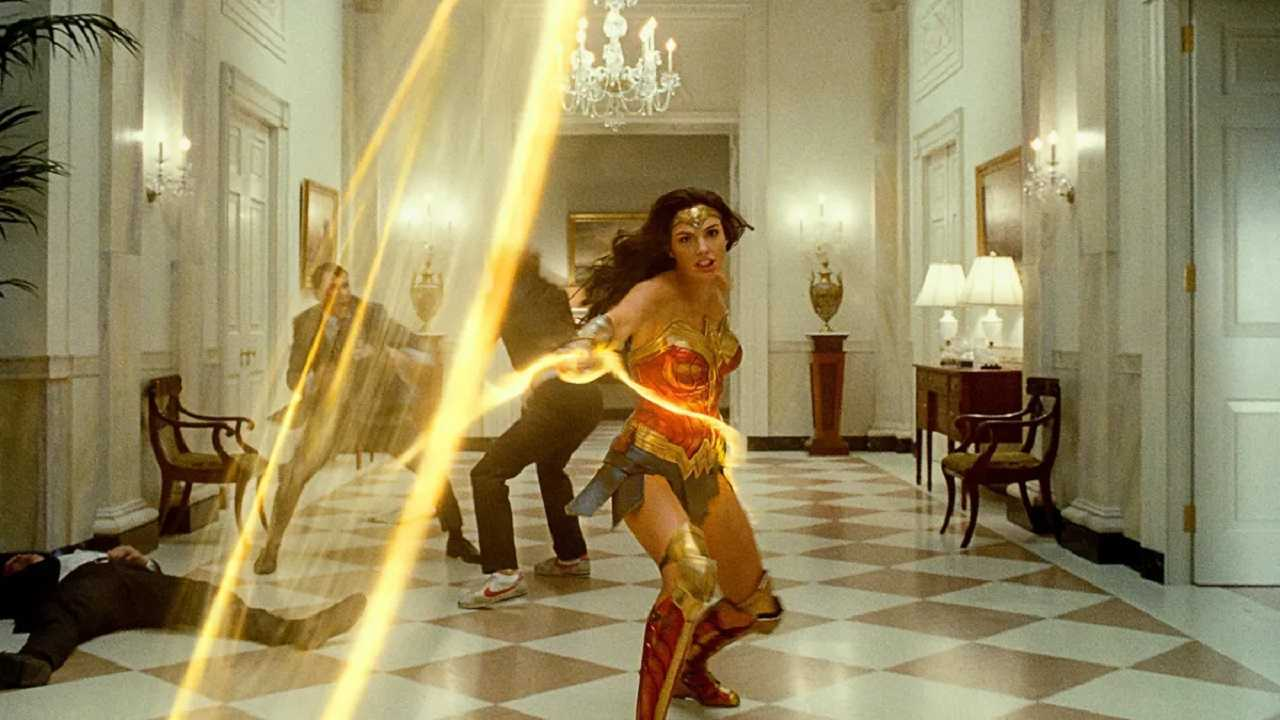 Wonder Woman (Gal Gadot) in action with the Lasso of Truth in Wonder Woman 1984 (2020)