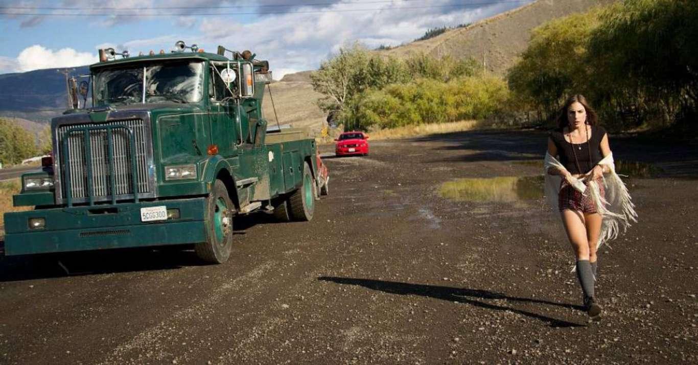Dréa Whitburn and killer truck in Wrecker (2015)