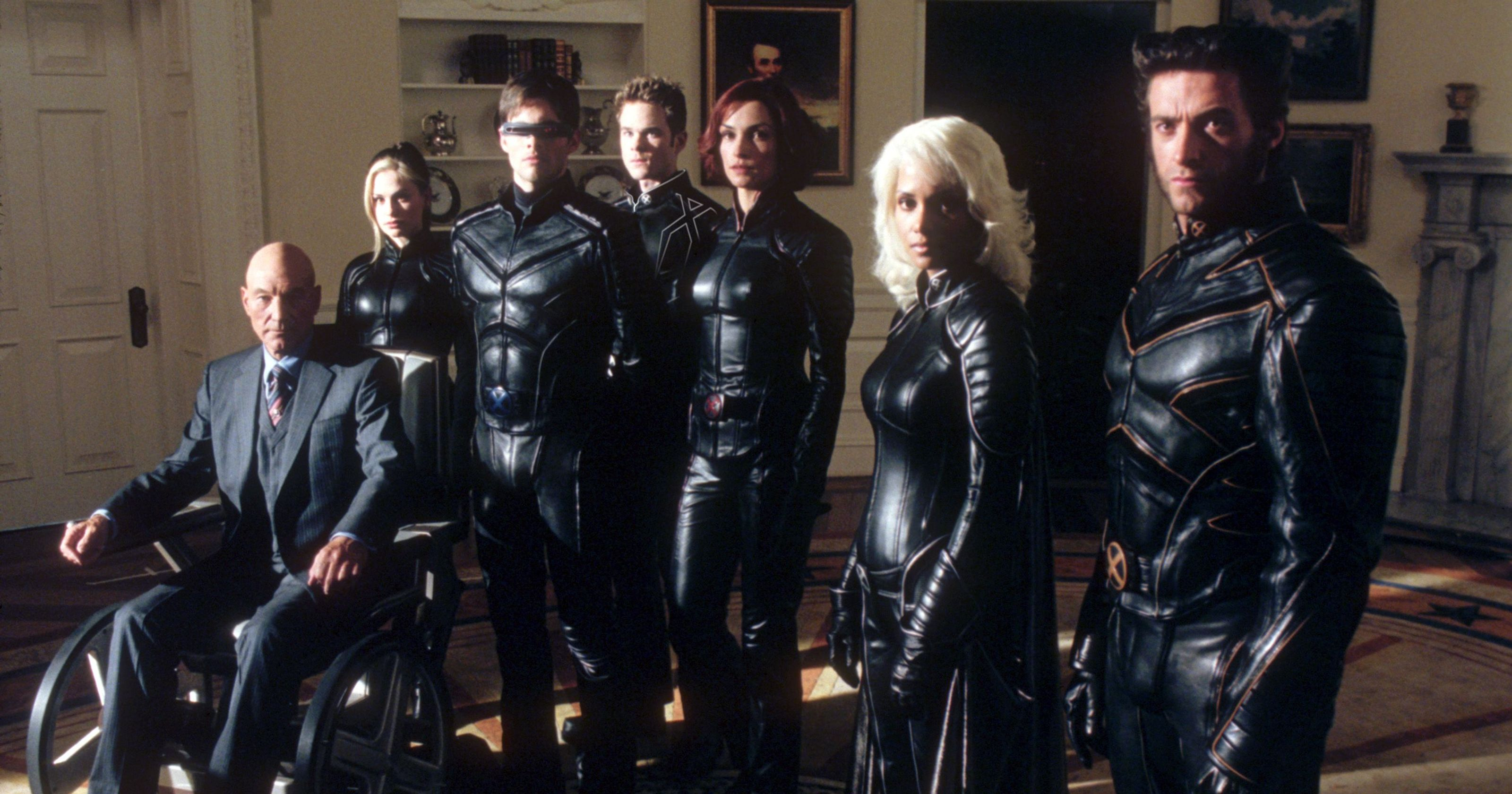 Professor Xavier (Patrick Stewart), Rogue (Anna Paquin), Cyclops (James Marsden), Bobby (Shawn Ashmore), Dr Jean Grey (Famke Janssen), Storm (Halle Berry) and Wolverine (Hugh Jackman) in X-Men (2000)