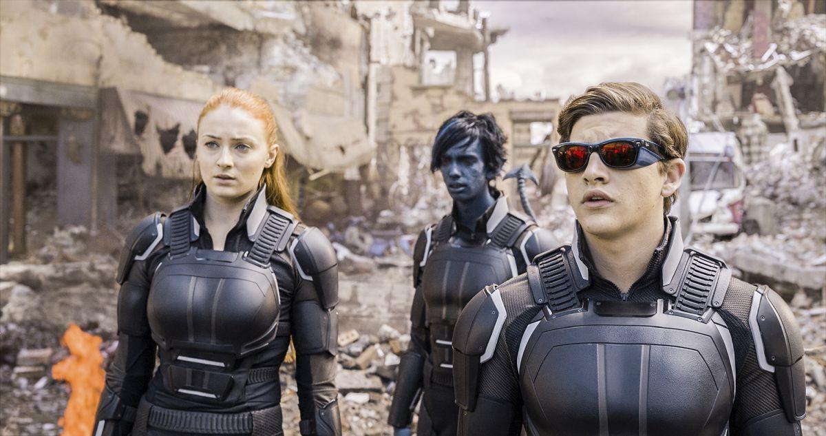 Jean Grey (Sophie Turner), Nightcrawler (Kodi Smit-McPhee) and Cyclops (Tye Sheridan) in X-Men: Apocalypse (2016)
