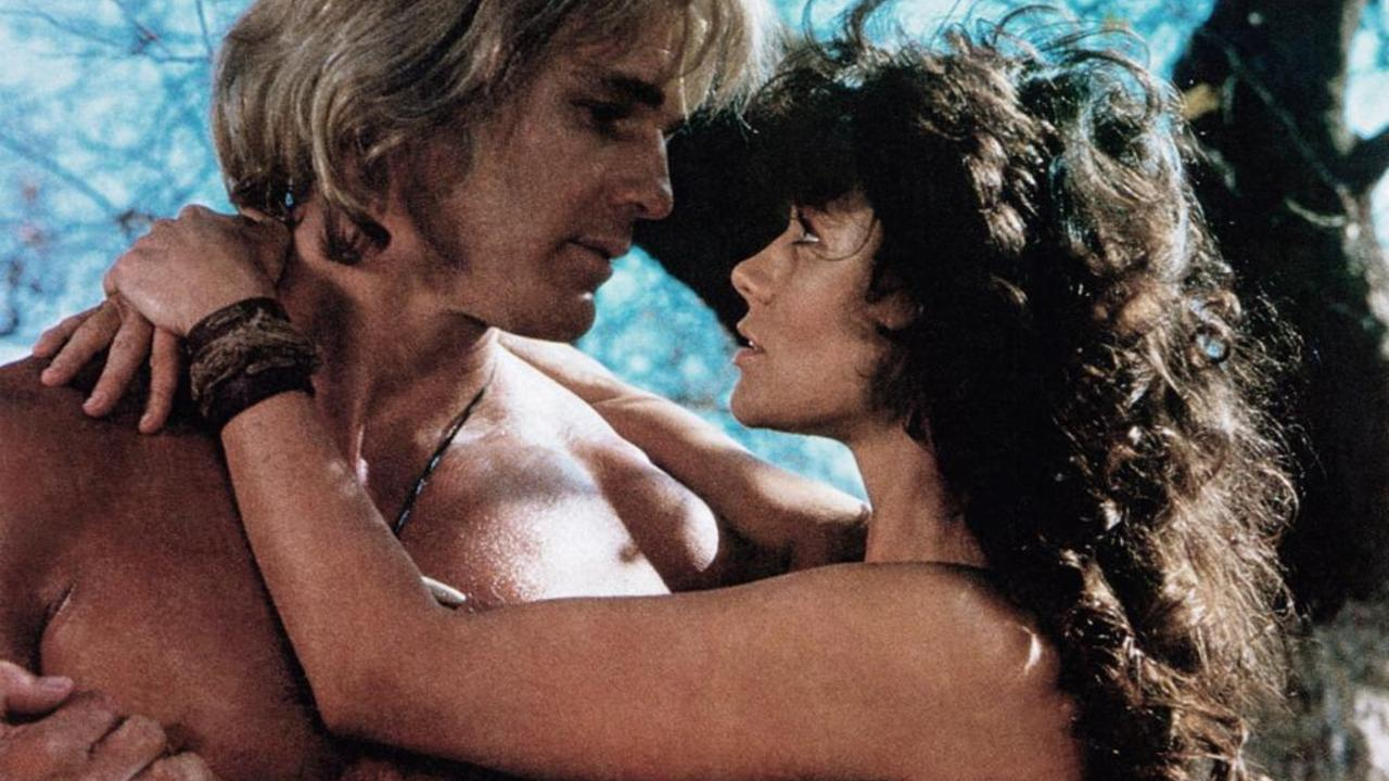 Yor (Reb Brown) and Ka=Laa (Corinne Clery) in Yor, The Hunter from the Future (1983)