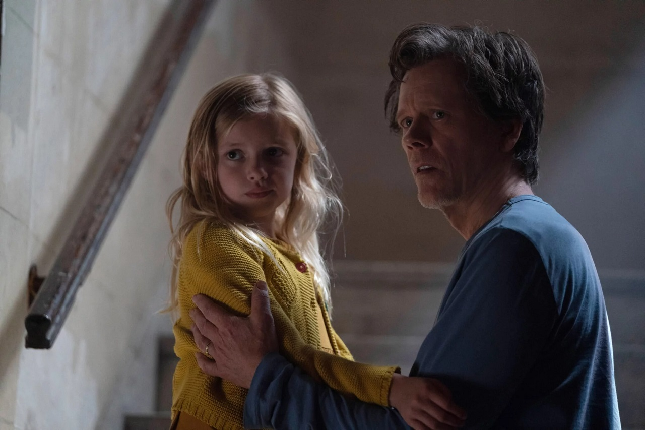 Theo Conroy (Kevin Bacon) and daughter Ella (Avery Essex) in You Should Have Left (2020)