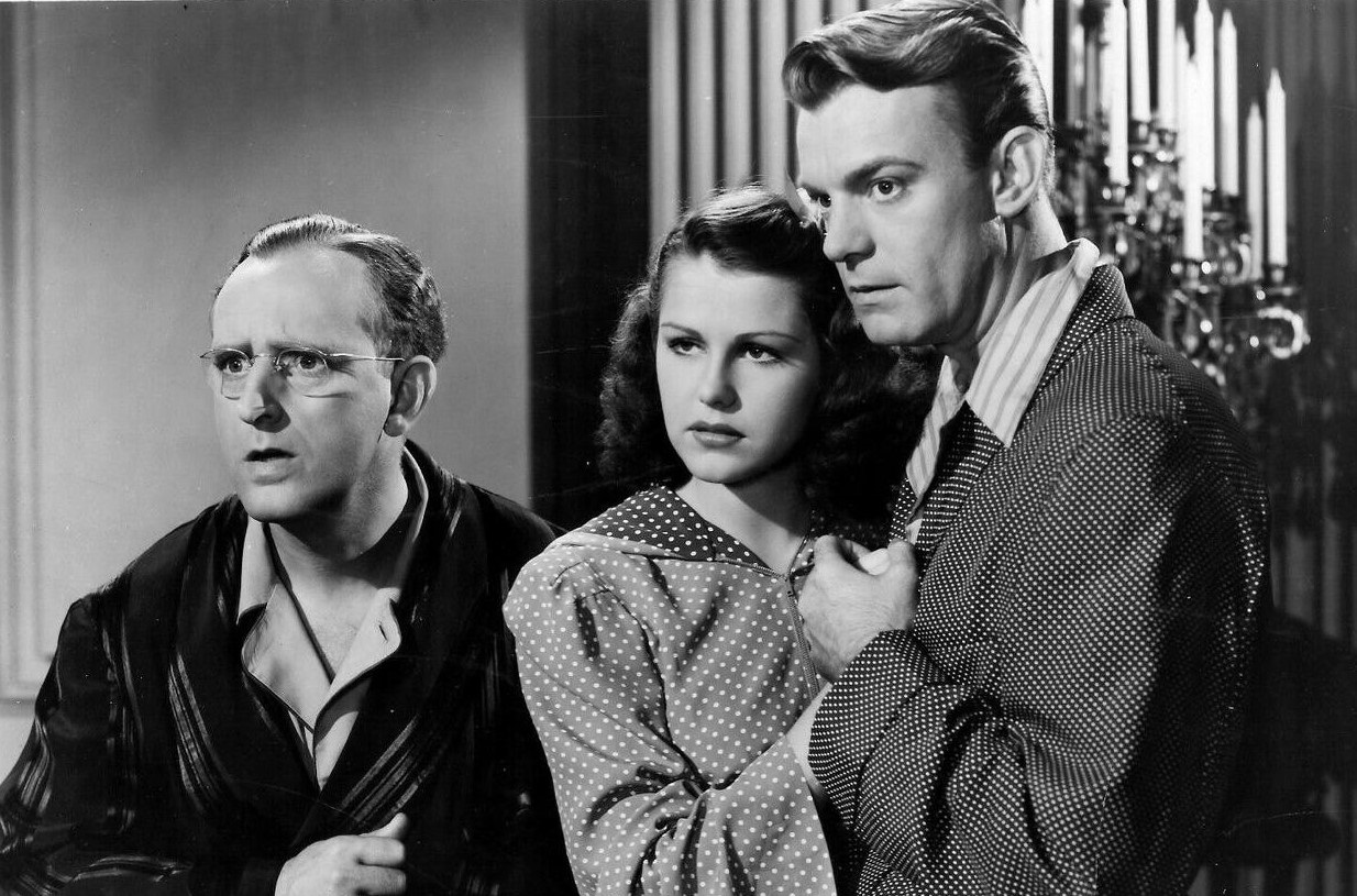 Kay Kyser, Helen Parrish and Dennis O'Keefe in You'll Find Out (1940)