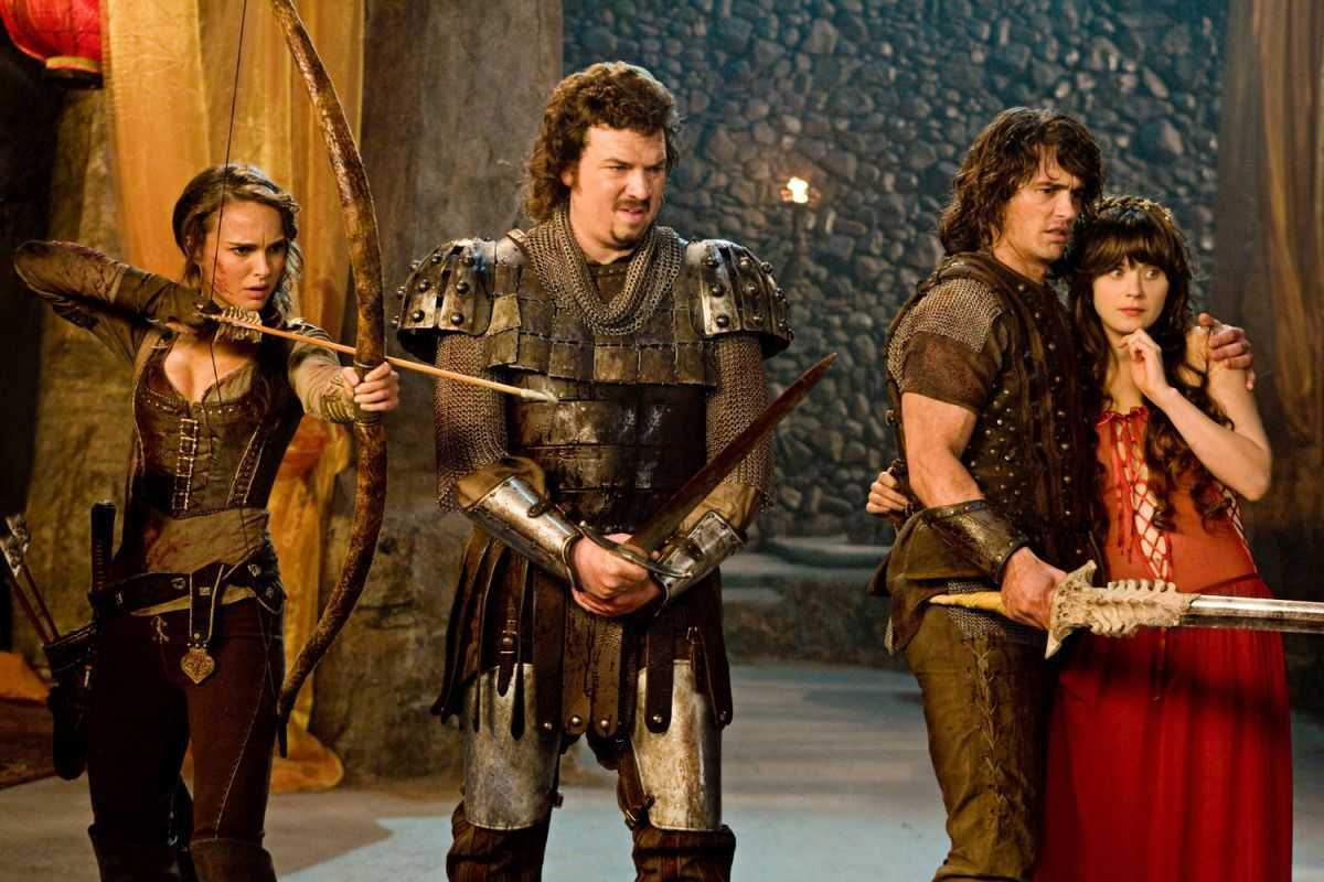 On a comic quest - Natalie Portman, Danny McBride, James Franco, Zooey Deschanel in Your Highness (2011)